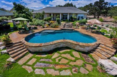 architecture awesome backyard design with modern kidney baseny ogrodowe aranżacje e ogr 243 dek