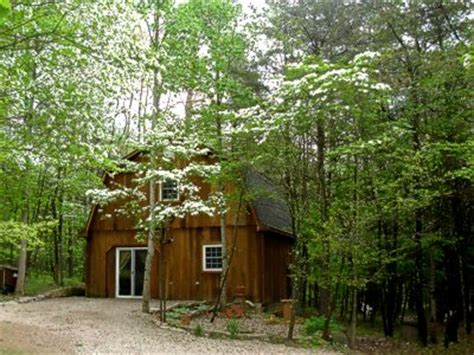 hocking cabin the tree house of bellevue retreat
