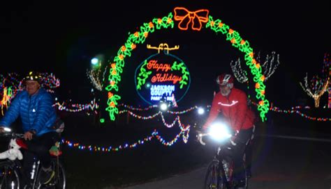 the ultimate missouri road trip for christmas light displays