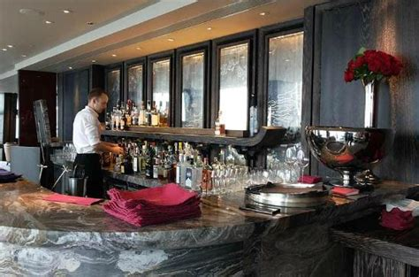 bar at the top of the shard gong the bar at shangri la london is the best for views