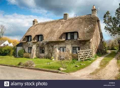 beautiful thatched cottage at corfe castle village on the
