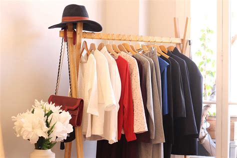 des garde robes garde robe minimaliste comment la cr 233 er et que choisir