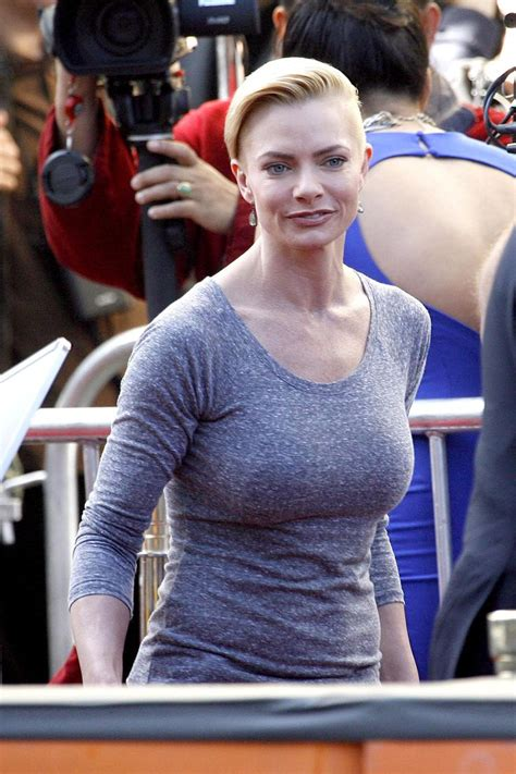189 best images about Jaime Pressly on Pinterest ... R Alphabet Wallpaper In Heart