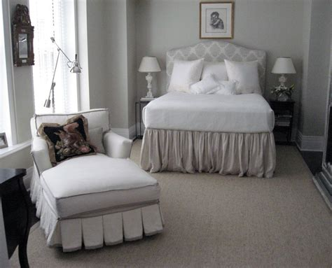 feminine bedroom featuring a quarine sienna chaise with