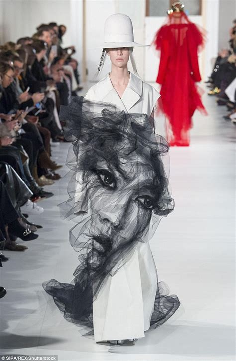 Frock Horror Of The Week Catwalk 9 by Maison Margiela Dress Appears To A Ghost On It