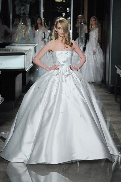 Expensive Wedding Dresses by World S Most Expensive Wedding Dress Bridesmagazine Co Uk