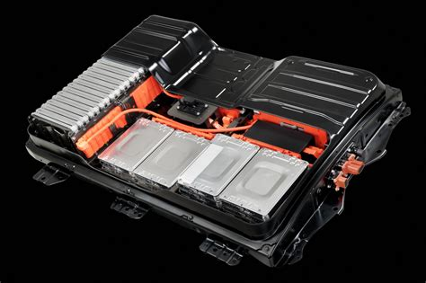 nissan leaf replacement battery steve marsh s nissan leaf loses battery capacity bar