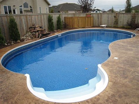 small kidney shaped pool 1000 ideas about kidney shaped pool on pinterest small