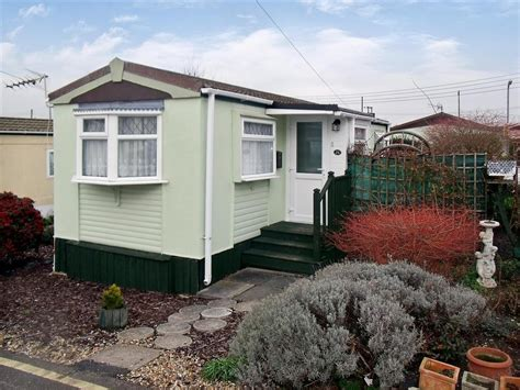 1 bedroom mobile homes 1 bedroom mobile home for sale in dunton park brentwood