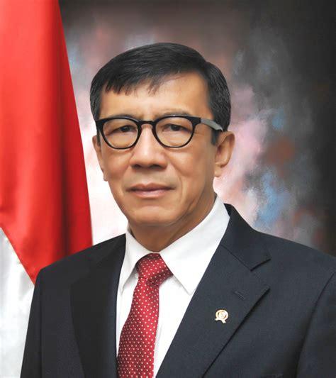 biodata menteri jokowi profil dan biografi yasonna h laoly menteri hukum dan