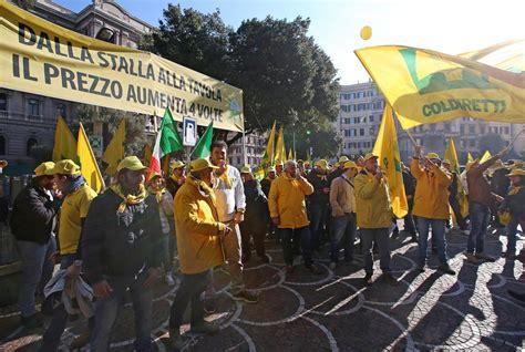 corriere della sera roma sede allevatori protesta davanti alla sede dell antitrust