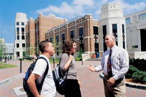 Mba Loyola New Orleans by Leading U S Education Guide For All International