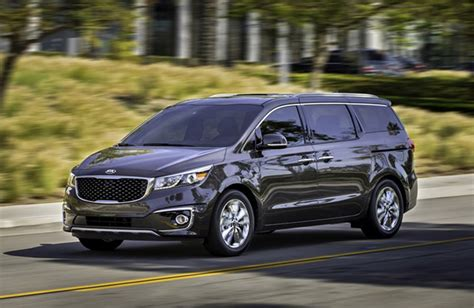 Kia Mini 2016 Kia Sedona Vs The Minivan Competition