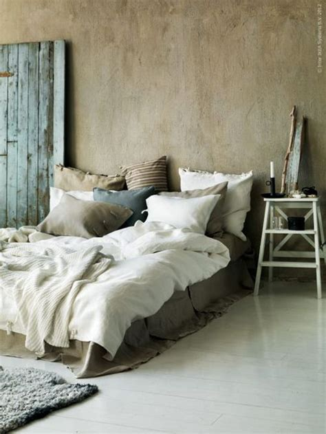 cozy bed rustic bedroom ideas home interior design