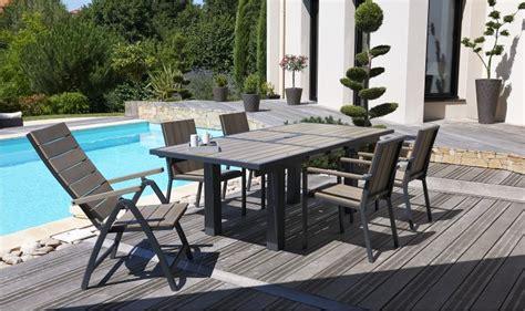 salon de jardin avec table promo table et chaise de jardin
