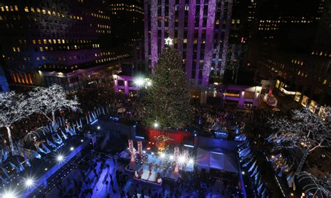 thousands gather for nyc tree lighting daily