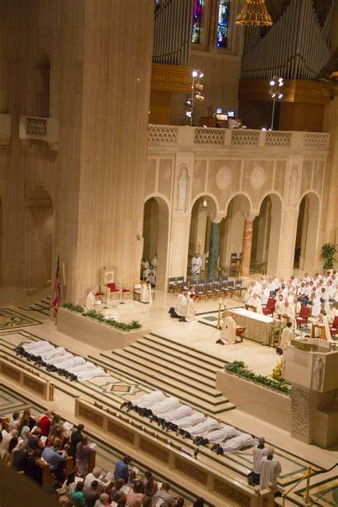 deacons bench patheos ordination update 14 new deacons for washington