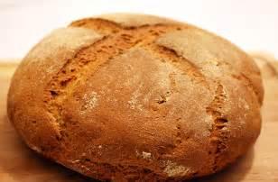 napoli trovata una cavalletta morta nel pane partono le