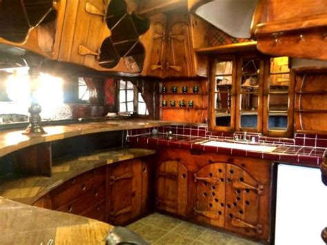 hobbit kitchen hobbit house for rent in la the mary sue