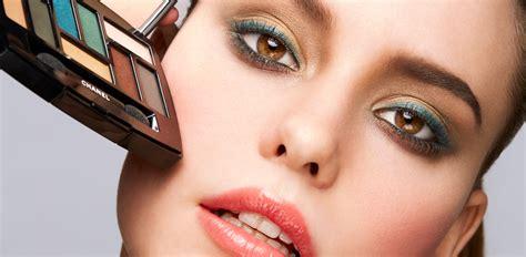 Make Up Di Mahmud a lezione di trucco con chanel il make up giusto da mattina a sera io donna