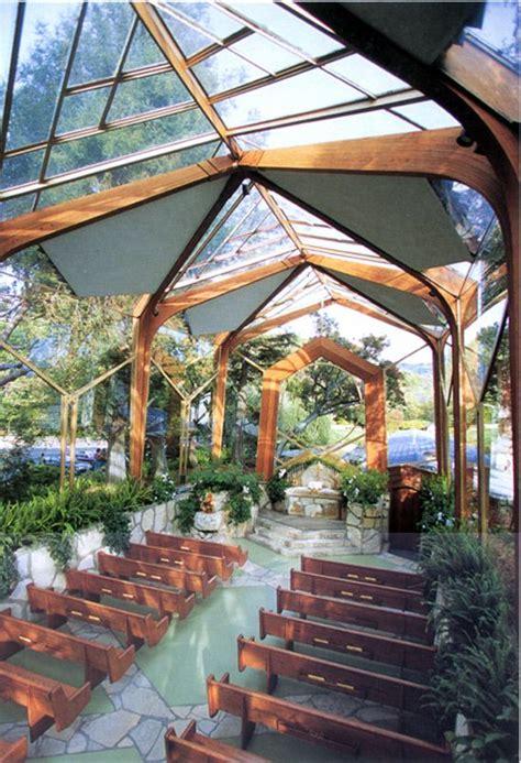 chapel unites  couple outdoor wedding venues