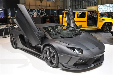 Mansory Carbonado shows us its skin