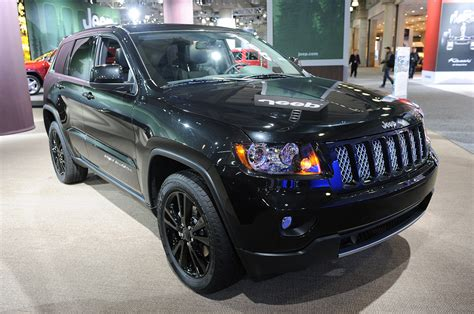 jeep grand cherokee altitude jeep climbs to higher altitude with murdered out specials