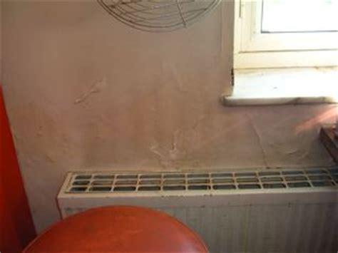 moisissure dans une chambre moisissures dans les murs est ce grave