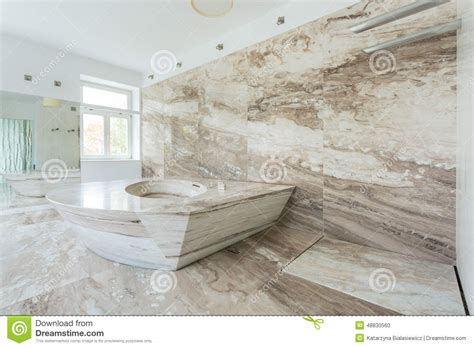 Bathroom Shower Tile Design by Salle De Bains De Luxe Avec Les Tuiles De Marbre Photo