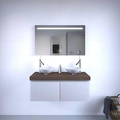 badkamerspiegel verlichting design design badkamerspiegel met klok verlichting en verwarming