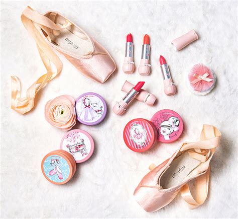 Makeup Di Etude House etude house dreaming swan x kerrie hess collection