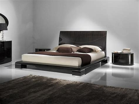 King Size Bed Design Photos King Size Platform Beds And High Tech Homeblu
