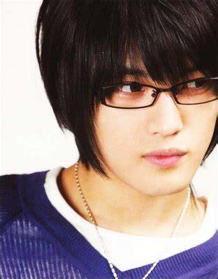 dbsk jaejoong hero crunchyroll forum do you think guys wearing glasses