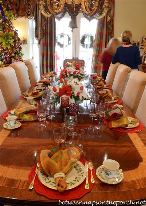 Pier 1 Dining Room Table Christmas Table Settings Tablescapes For A Formal Or