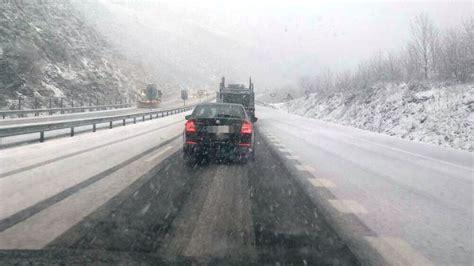 cadenas nieve obligatorias primeras complicaciones en las carreteras navarras