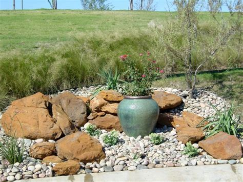 Garden Rocks Ideas 18 Simple Small Rock Garden Designs