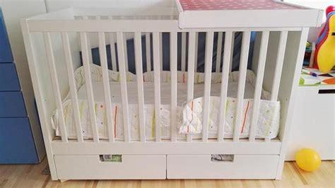 babybett mit schubladen ikea babybett ikea 120x60 mit zwei schubladen und wickelauflage
