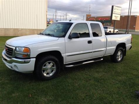 buy used 2005 gmc 1500 slt four wheel drive 4x4 in