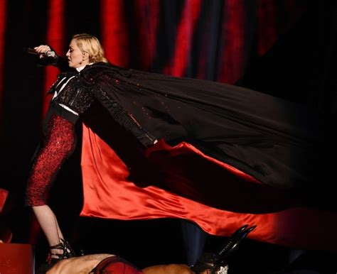 brit awards 2015 madonna falls the stairs in serious