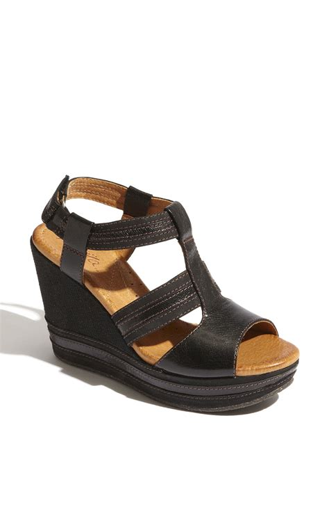 naya sandals naya elise sandal in black lyst