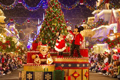 top 3 must do s at walt disney world this christmas my