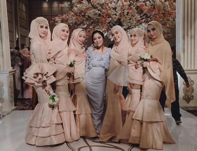 Gamis Syari Madina Marun Syi anggun dan cantik ini dia inspirasi style kondangan