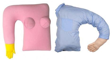Coussin Avec Bras by Boyfriend Pillow Un Oreiller Bras One360 Eu