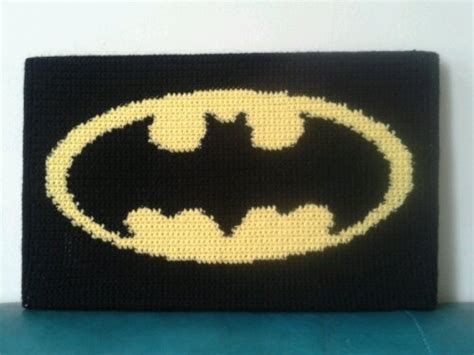 crochet pattern batman logo crocheted batman wallhanging dashiqui crochet