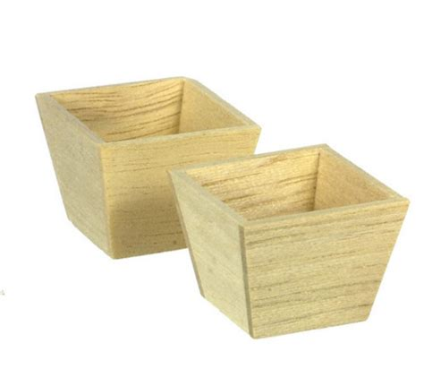 Wood Square Planter by Wood Square Planters