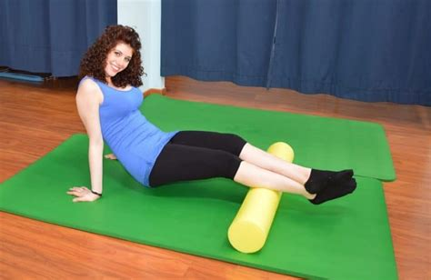 dolore al polpaccio interno foam roller a cosa serve massaggio benefici muscoli