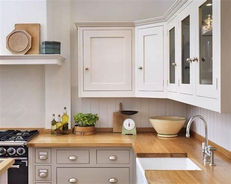 Cabinet Cornice shaker kitchen different colour units top and bottom nb would like our cabinet cornice simpler