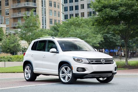 volkswagen tiguan vw review ratings specs prices    car connection