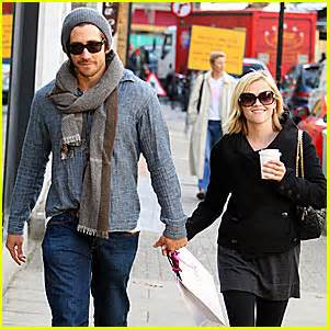 Reese Witherspoon And Jake Gyllenhaal Are Ticking Me 12 by Reese Jake Are Jake Gyllenhaal Reese