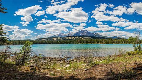 Pyramid Lake in Jasper, Alberta   Expedia.ca